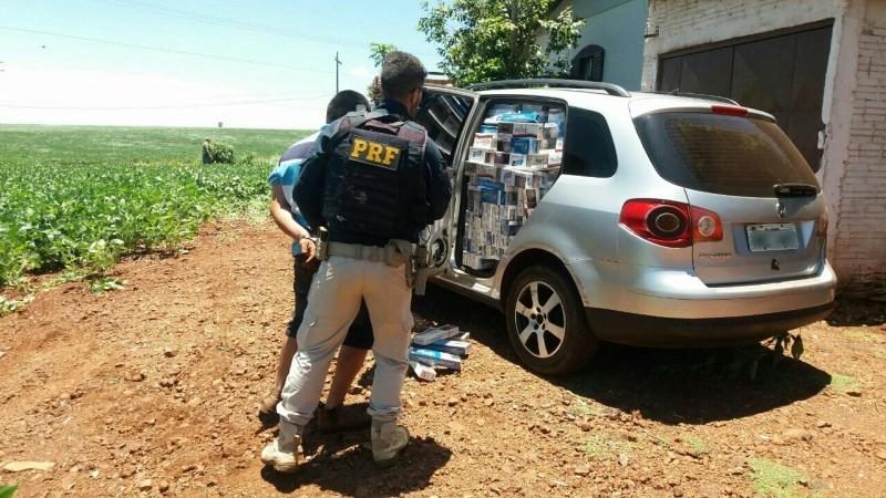 Após lançar fumaça e bater em viatura da PRF, contrabandista é preso no Paraná; assista o vídeo
