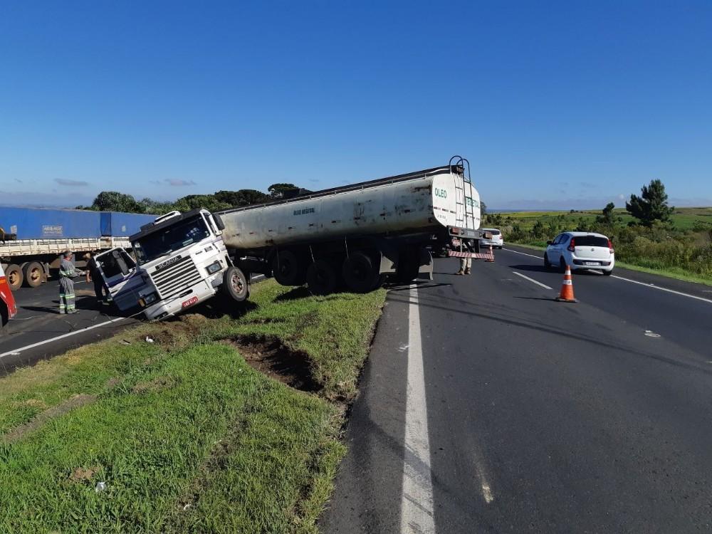 Pais de vereador de Curitiba sofrem lesões graves em acidente na BR-376