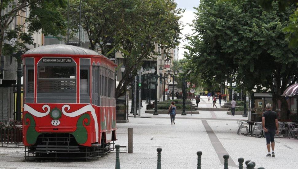 Curitiba 'fantasma': imagens da cidade vazia na quarentena