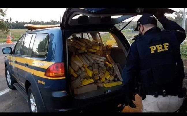 PRF prende casal transportando mais de 300 Kg de maconha