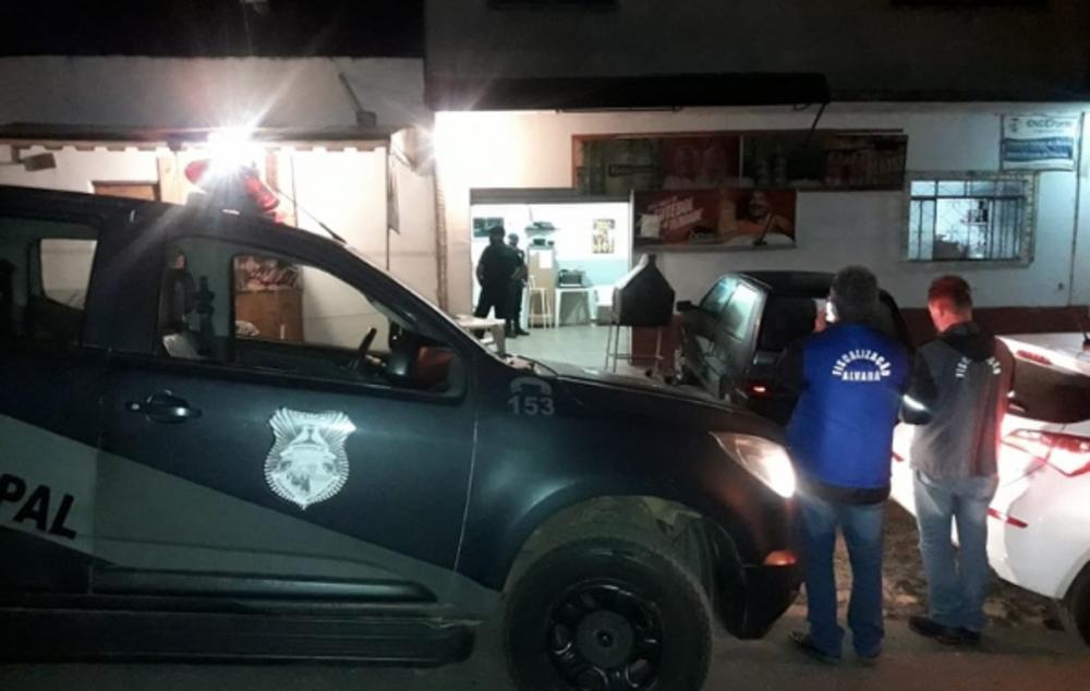 Fiscais multam bares de Ponta Grossa por descumprirem decreto