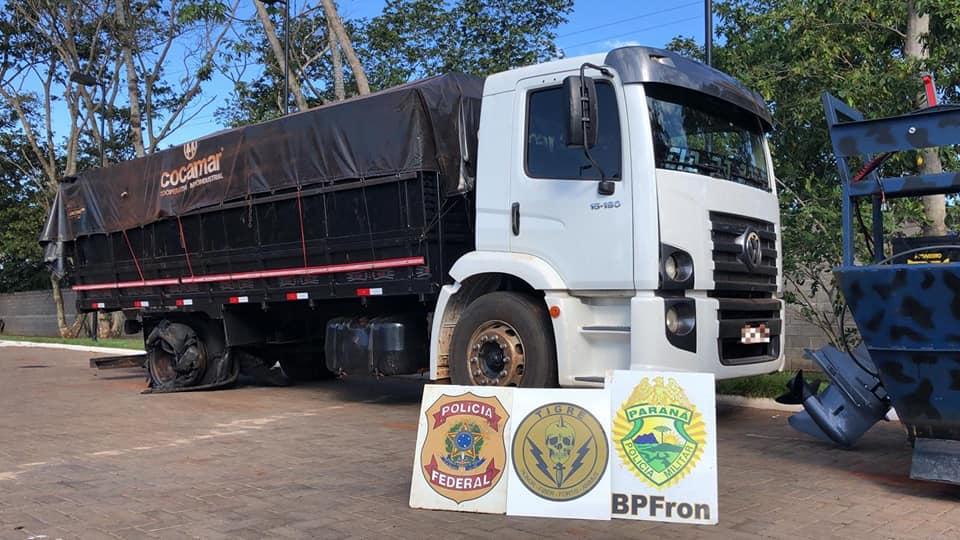 OPERAÇÃO HÓRUS realiza a prisão em flagrante de 01 pessoa e apreensão de 01 caminhão carregado com cigarros paraguaios.