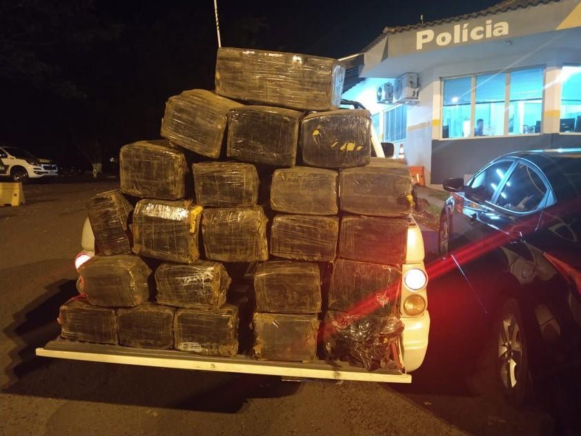 Moradores de Umuarama são presos com mais de 300 kg de maconha no interior de SP